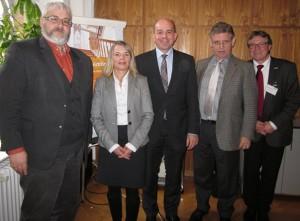 V.l.: Jörg Kräker, Nicola Pantelias, Oliver Kahn, Dr. Fritz Baur, Berthold Sommer