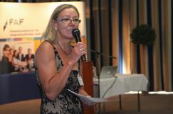 Frau Claudia Rustige moderierte die Veranstaltung.