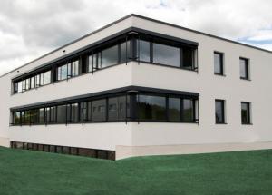 Das neue Firmengebäude der Irseer Kreis Versand gGmbH.